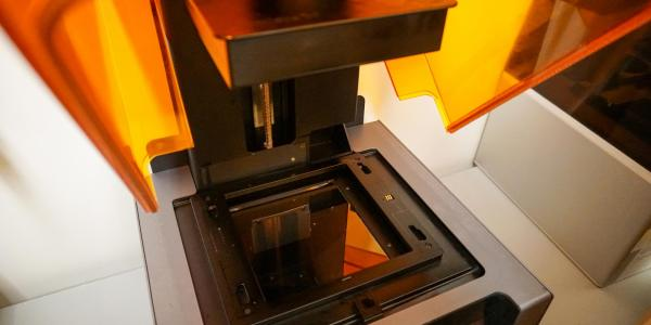 Formlabs- Resin/UV 3D printer
