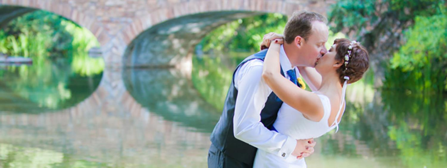 cu boulder wedding: Varsity lake