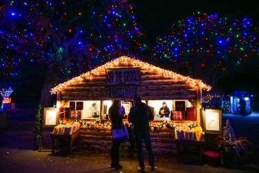 Zoo Lights hut