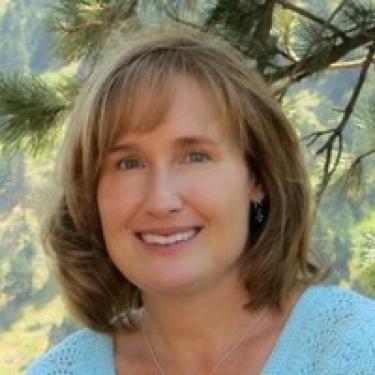 Cindy Worster headshot