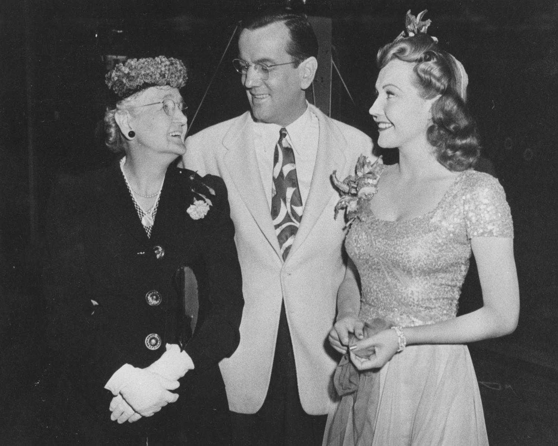 GM, Mother and Lynn Bari