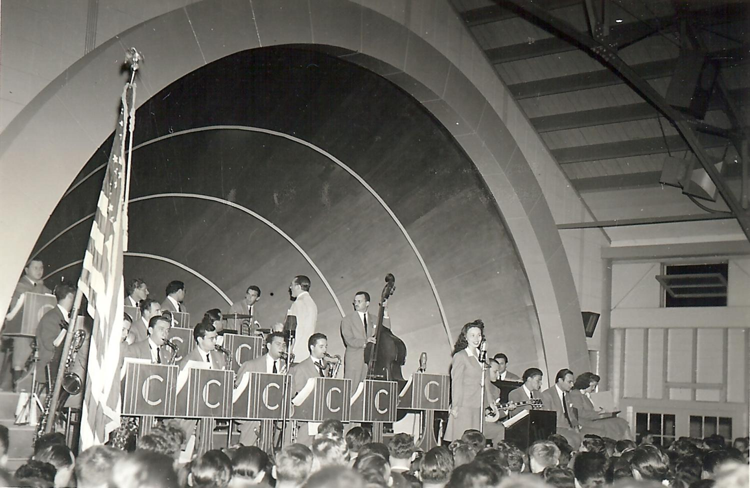Tommy Dorsey perform in Haines
