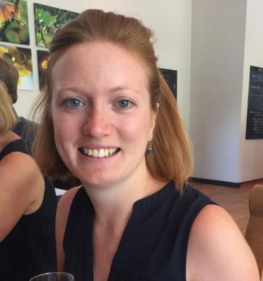 Headshot Laura Macdougall