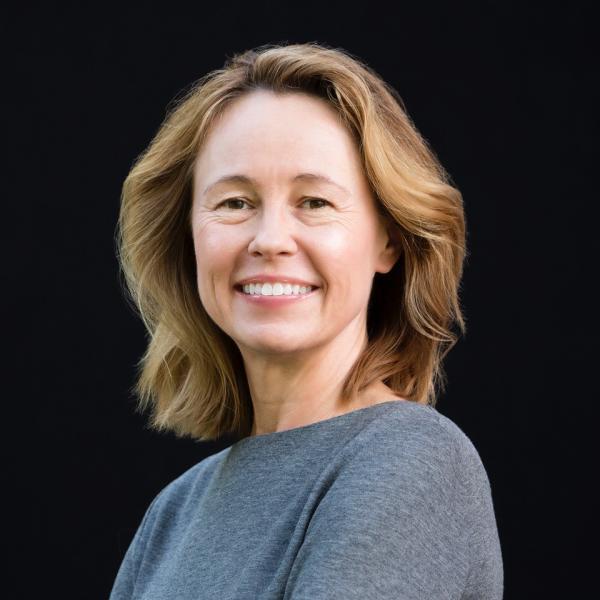 Carla Jones Headshot