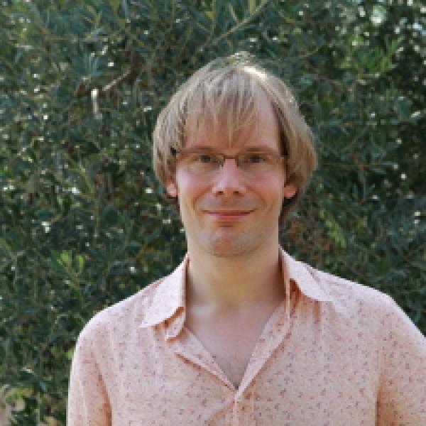 Headshot of Prof. Phil Armitage