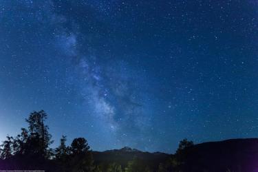 Photo of the Milky Way as seen over Longs Peak