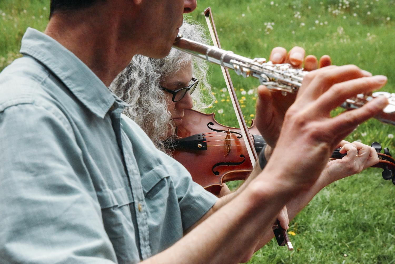 Alicia Svigals and Yonatan Malin rehearsing at Chauyauqua