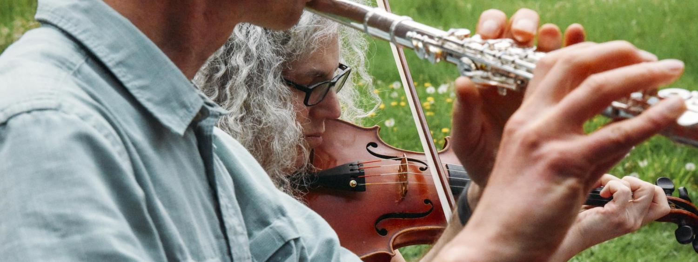 Alicia Svigals and Yonatan Malin playing music at Chautauqua