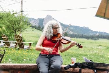 Alicia Svigals playing violin at Chautauqua