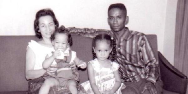 Debbie Hollis family