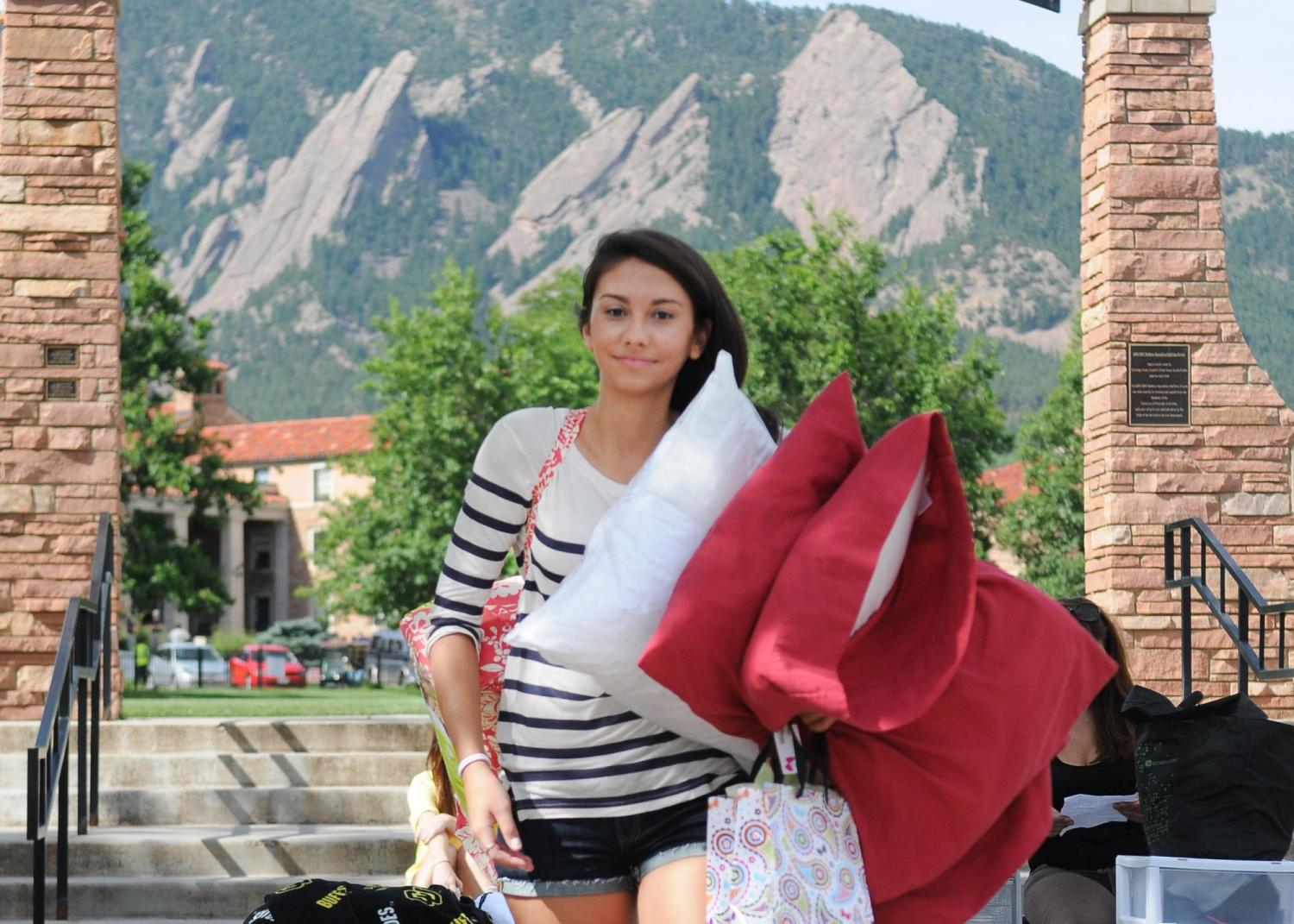 Student moving into the dorms