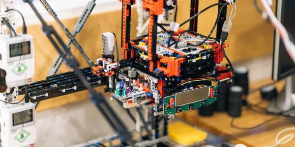 Photo of ChemBot machine.