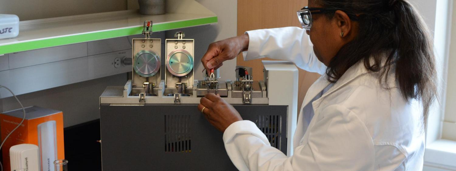 Donna Auguste in the lab