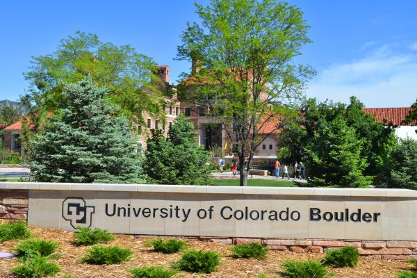 CU Boulder entrance sign
