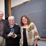 CIMB's Tom Cech and Leslie Leinwand present the Charlie Butcher Award to Paul Nurse prior to his seminar at CU-Boulder.