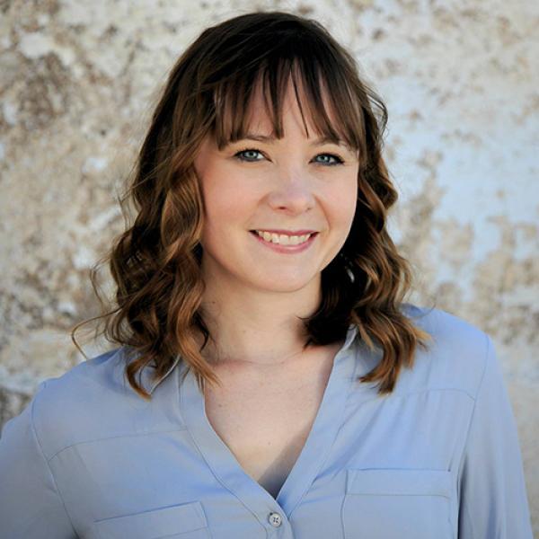 Portrait photo of Jennifer Schuman