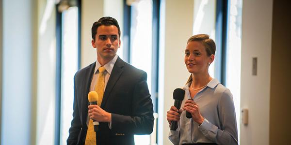 Current Business Minor Students Presenting at a Case Competition