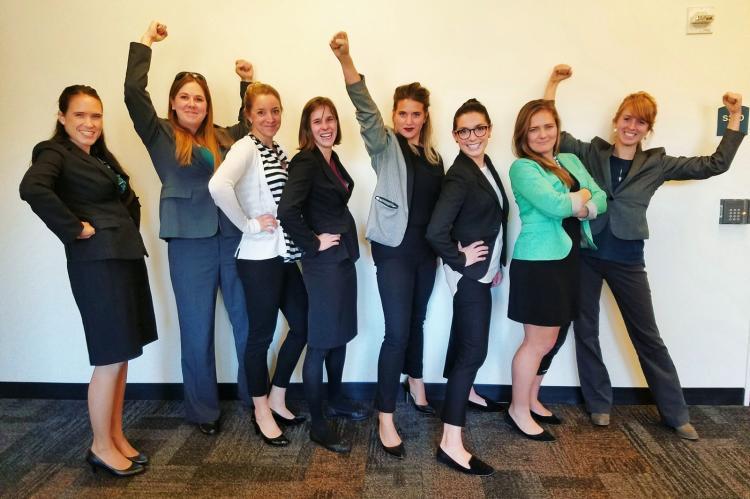 Lady MBAs power-posing