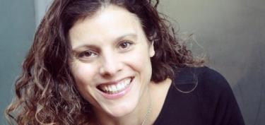Nicole Glaros Headshot