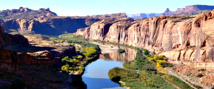 colorado river flow through canyon
