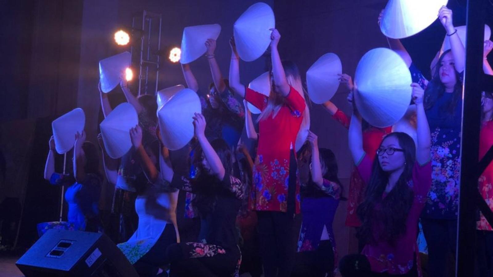 2019 Lunar New Year Show - Vietnamese Student Association