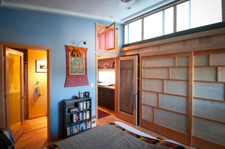 Tom Sundro Lewis' bedroom