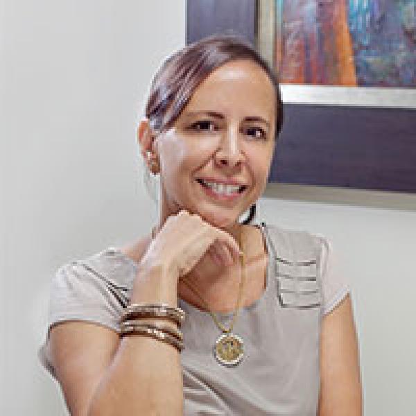 Paola Almeida Guerra smiling