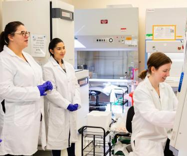 Teisha-Rowland-iPSCs-stem-cells-researchers-training