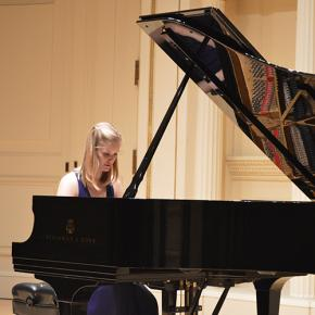 Grace Burns performs during the College of Music showcase concert at Carnegie Hall's Weill Recital Hall