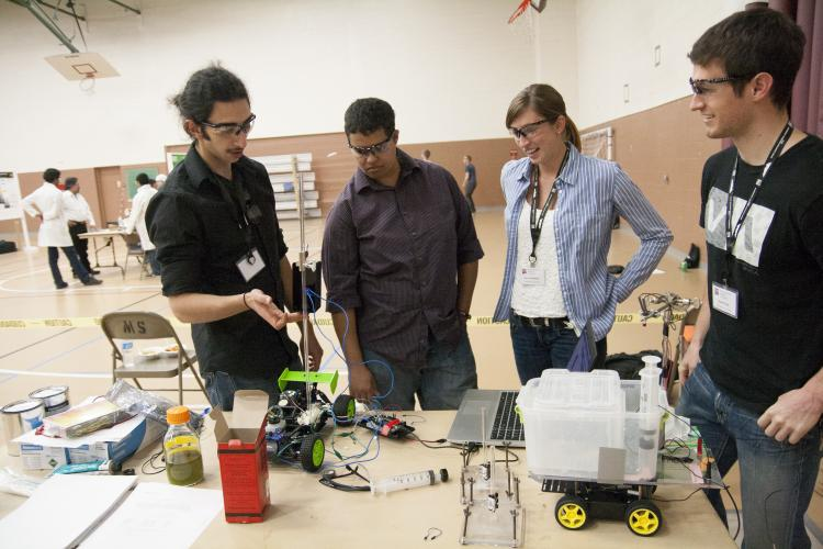ChBE students at AIChE Regional Conference Chem-E-Car Competition