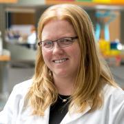 Kristi Anseth in lab