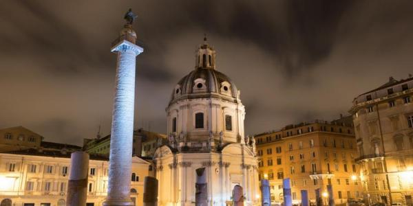 column of Trajan at night