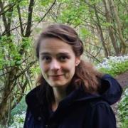 Portrait of Yvona Trnka-Amrhein in the woods