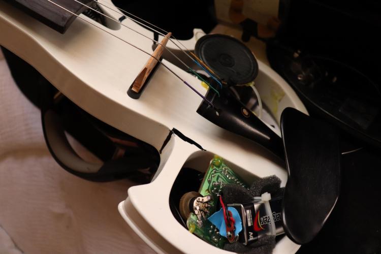 Violin prototype by Lindey.