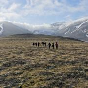 During their time at CU Boulder, Scripps fellows and environmental journalism students go on field trips related to a broad array of environmental topics, including climate change — a focus of this joint CEJ and Norwegian expedition to the Arctic archipelago of Svalbard. (Photo by Tom Yulsman)