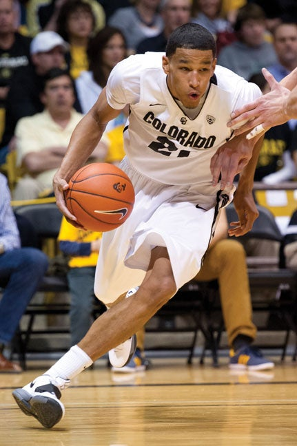 Andres Roberson on the court