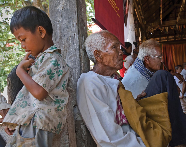 Cambodia A Photojournalist Returns To A Forgotten Country Alumni