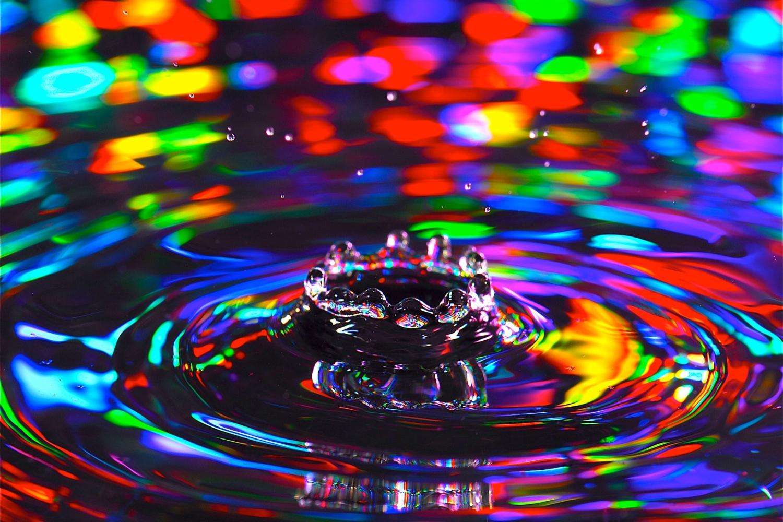 rainbow water crown