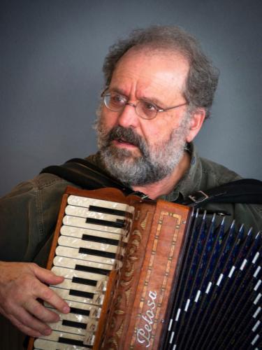 Rodney with accordian