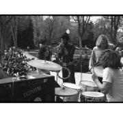 Zephyr plays concert on Norlin Quad.