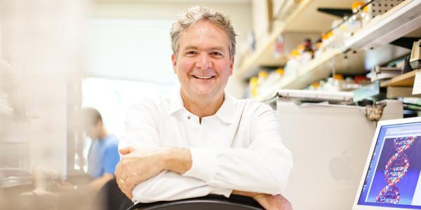 David Haussler in his lab