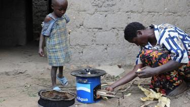 Evan Thomas' Rwanda cookstoves