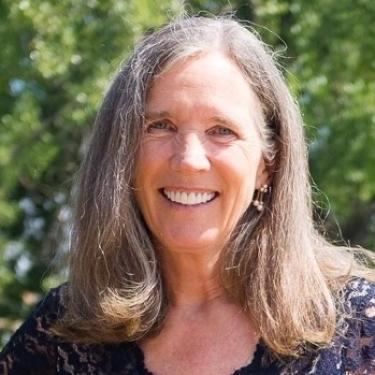 Nancy Clanton Headshot