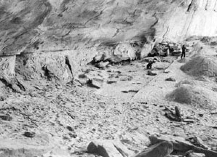 Mantle Cave