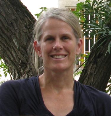 Head shot of Kendi Davies