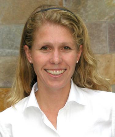 Head shot of Katharine Suding