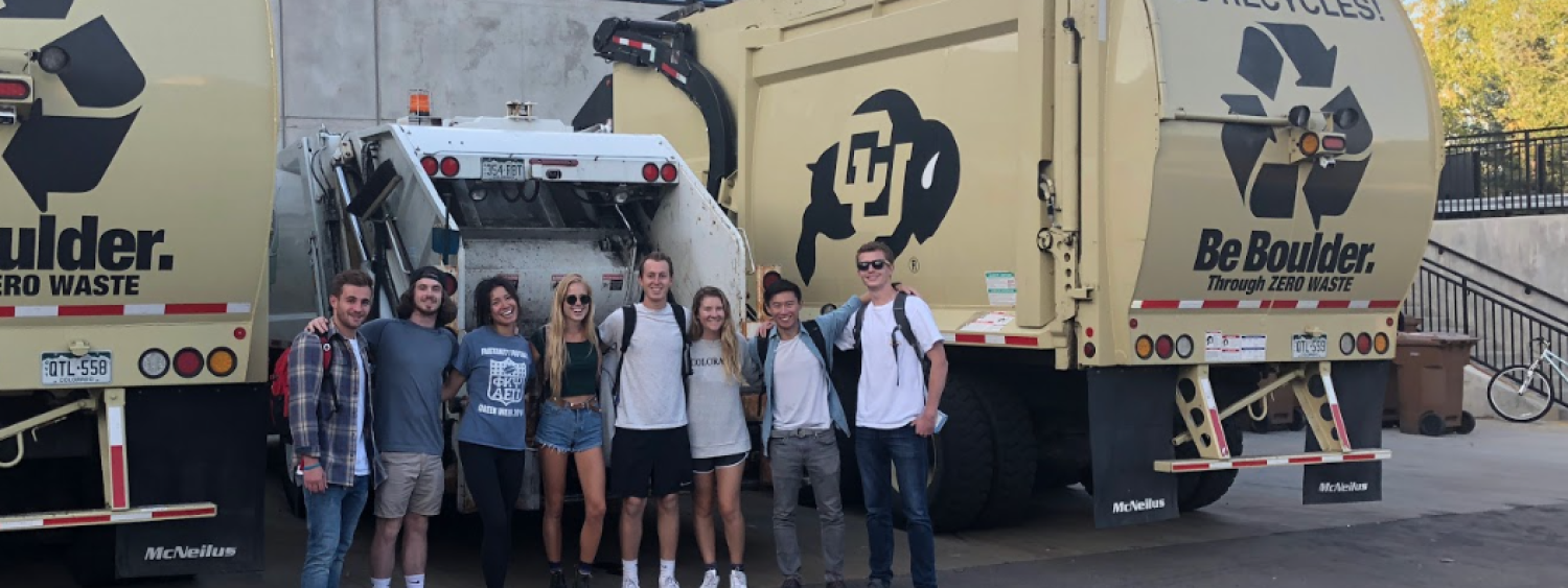 photo of students visiting the cu recycling center