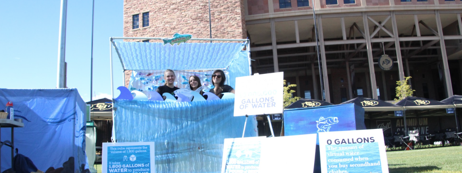 photo of Green Greeks tabling about water conservation