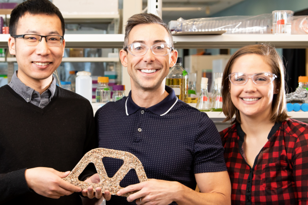 Wil Shrubar and grad students in a CU Boulder lab