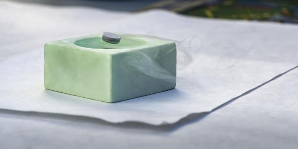 An experiment showing levitation through super conductivity